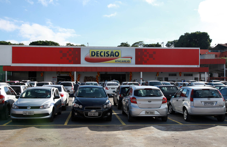 Decisao Atacarejo - Inauguracao Loja Contagem - MG - 19/12/2017 - Foto: Paulo Cunha / Outra Visao