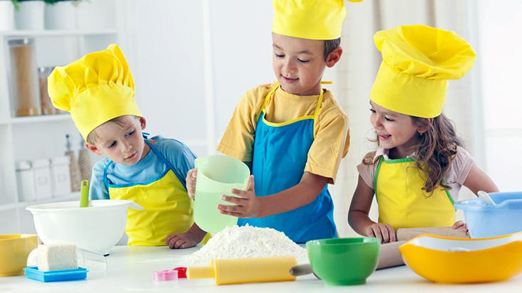 CZ-cozinhando-criancas-receitas-minichefs-D-732x412-1